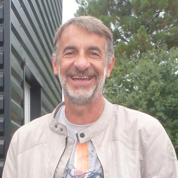 Éric PAGÉS; TRIUMPH STREET TWIN ironstone